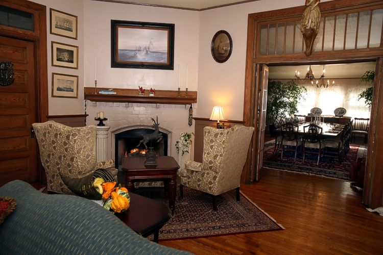Vine Cottage Inn: Photo Tour